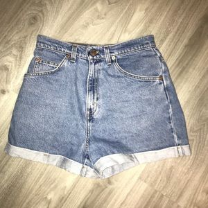 90s High Waisted Levi Shorts